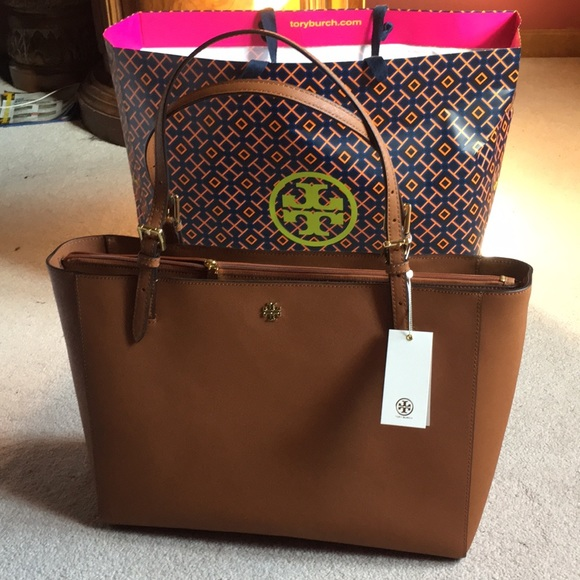 15996627747b Tory Burch Emerson buckle tote 👜 NWT luggage tan